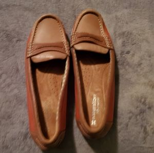 NATURALIZER Two Tone Loafers-  7M